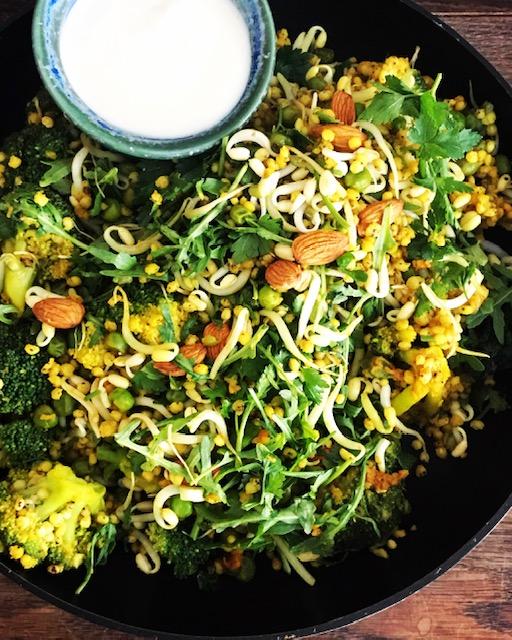 Durrapilaff – med broccoli, gröna ärtor och mandel – vegetariskt & glutenfritt
